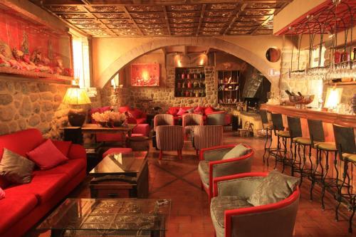 Arqueologo Exclusive Selection Photo