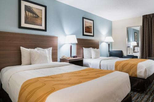 Quality Hotel Morehead City Photo