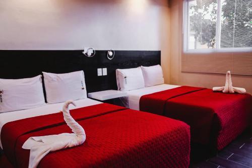 Hotel Santiago Photo