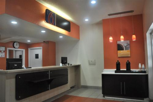 Motel 6 Southwest Raleigh - Cary Photo