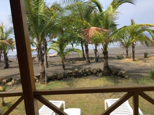 Boom Shiva Hotel & Restaurant Photo