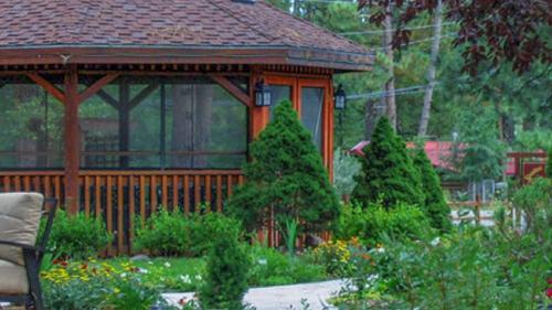 Shadow Mountain Lodge and Cabins Photo