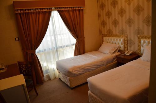 Royal Garden Hotel photo 9