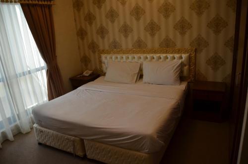 Royal Garden Hotel photo 10