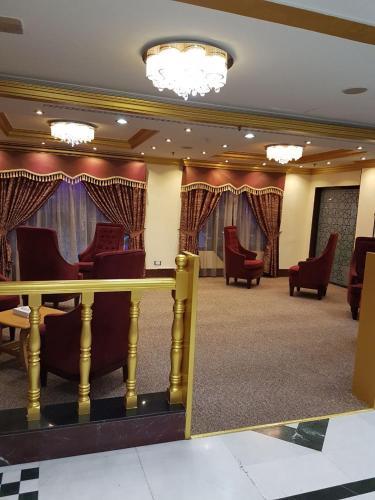 Royal Garden Hotel photo 12