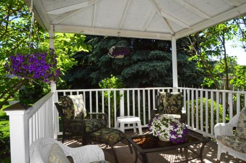 Eagle's Wing Bed & Breakfast - Niagara On The Lake, ON L0S 1J0
