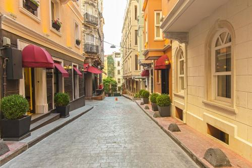 Istanbul Meroddi Pera Hotel tek gece fiyat