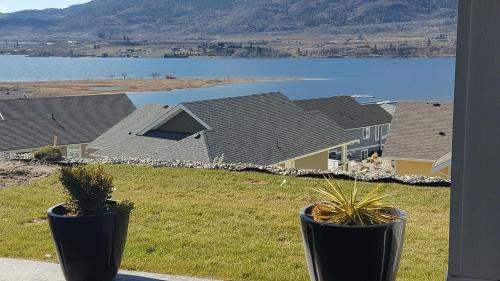 Lake View Chic Condo - Osoyoos, BC V0H 1T1