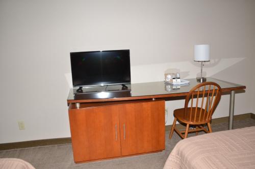 Rock Creek Hotel - Sabetha, KS 66534