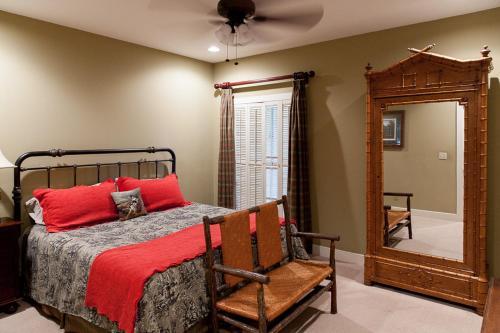 Live Oak Bed And Breakfast - Adel, GA 31620