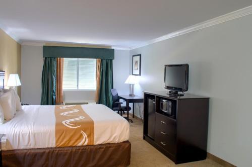 Quality Inn Gulf Shores Photo