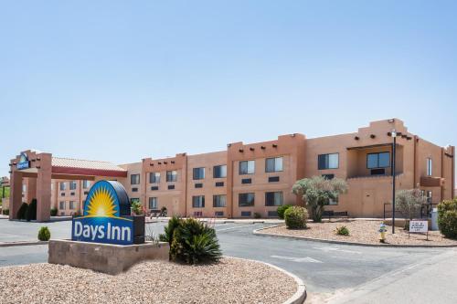 Days Inn Benson Photo