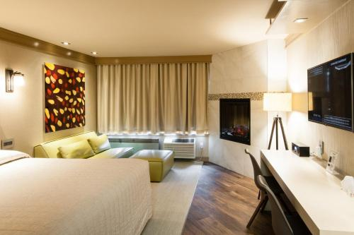 Le Chabrol Hotel & Suites Photo