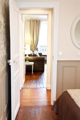 Apartment Ternes photo 9