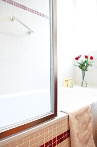 Apartment Ternes photo 17