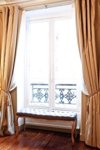 Apartment Ternes photo 32