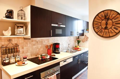Apartment Ternes photo 44