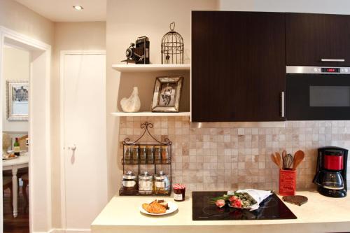 Apartment Ternes photo 46