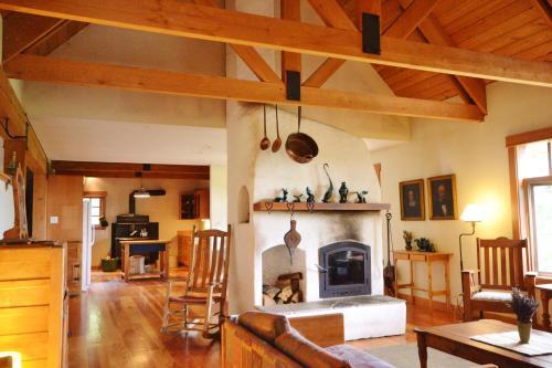 Lavender House - Salmon Arm, BC V1E 2Y4