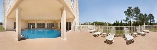 Country Inn & Suites By Radisson Panama City Beach Fl - Panama City Beach, FL 32407