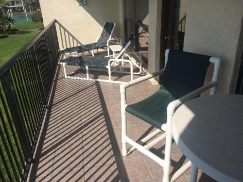 Beachside Condo Sleeps 6 - South Padre Island, TX 78597