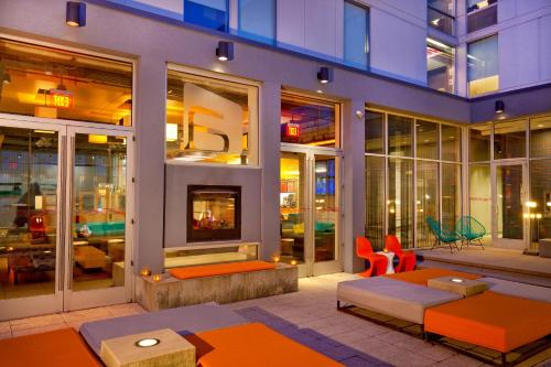 Aloft Bolingbrook Photo