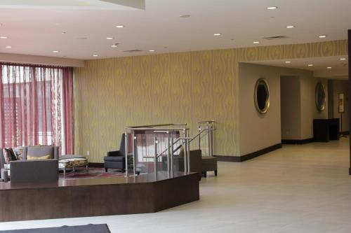 DoubleTree by Hilton Hotel Toronto Airport West Photo