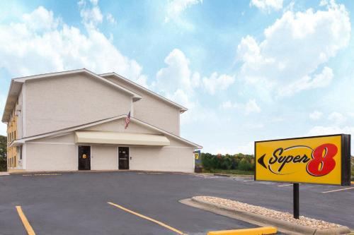 Super 8 By Wyndham Columbus Airport - Columbus, GA 31909
