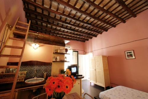 Bed & Breakfast B&b La Terrazza Sul Porto (Trapani) da 50 ...