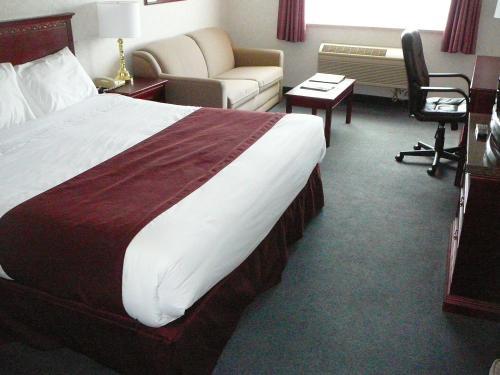 Coast Abbotsford Hotel & Suites - Abbotsford, BC V2S 2C7