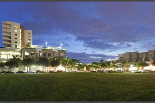 Stunning Apartment - Miami, FL 33137
