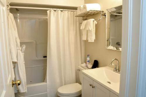 Casa Blanca Boutique Bed & Breakfast - Niagara On The Lake, ON L0S 1J0