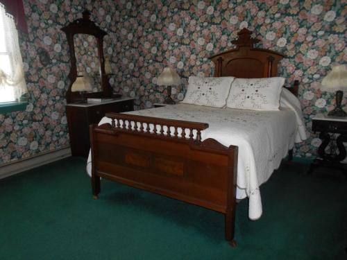 West Ridge Bed & Breakfast