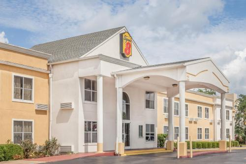 Super 8 By Wyndham Athens - Athens, AL 35611