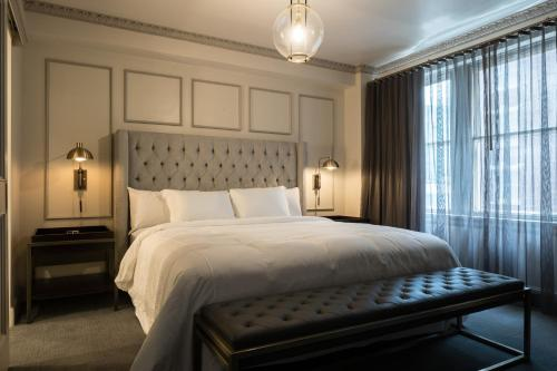 Hotel Phillips Kansas City, Curio Collection By Hilton Photo