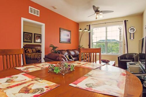 Vista Apartment Three Bedroom Apartment 3c3 - Orlando, FL 32819