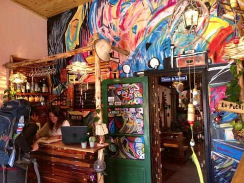 Foto de La Puerta Verde Hostel & Bar