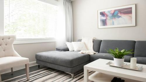 Modern 2bedroom/2bath Apt - Chicago, IL 60625