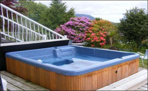 Kvarno Guest House - Ucluelet, BC V0R 3A0
