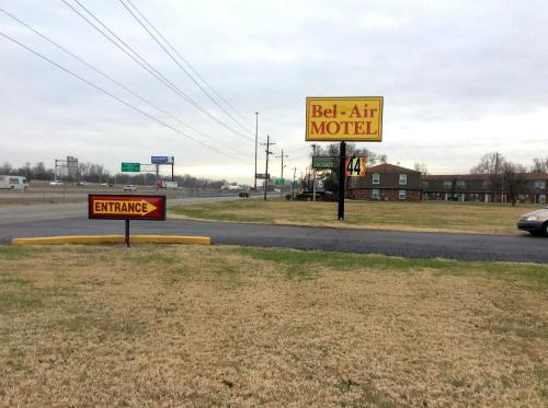 Bel Air Motel - Clarksville, IN 47129
