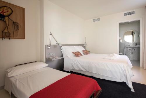 Habitación Doble Superior con cama supletoria La Alcoba del Agua 6