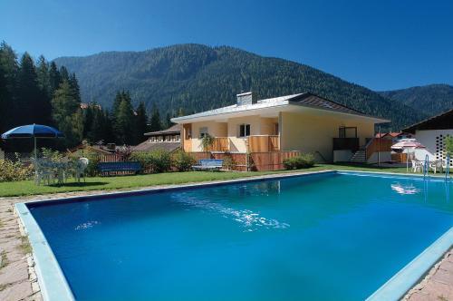 Hotel Nova Levante Con Piscina