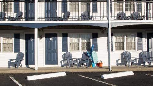 The Tidewater Inn Photo