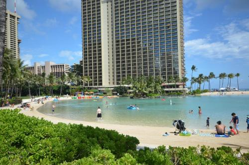 Kuhio Village 1006a - Honolulu, HI 96815