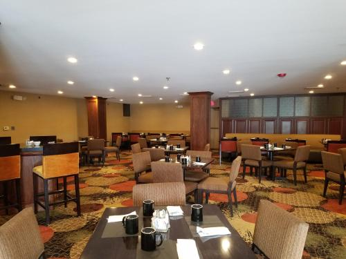 Radisson Hotel Detroit-Farmington Hills Photo