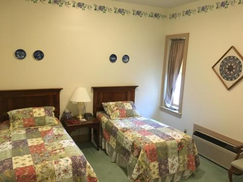 Oak Valley Inn and Suites Photo