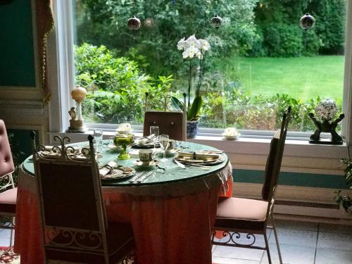 Melange Bed & Breakfast Photo