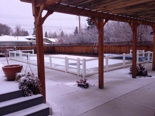 8th Street Saskatoon Homestay - Saskatoon, SK S7H 2V2