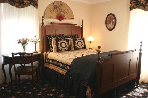 Isaiah Jones Homestead Bed and Breakfast Photo