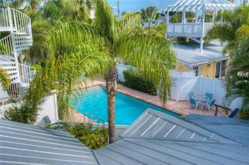 Palm Isle Bungalow